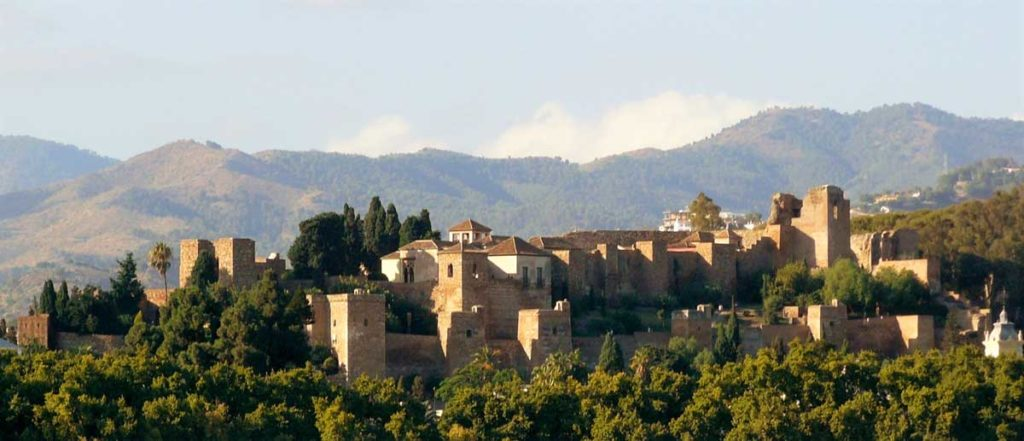 views-of-the-alcazaba-from-the-port