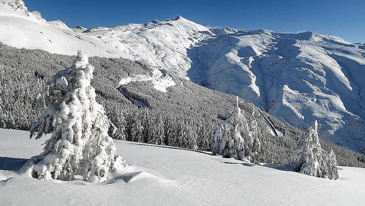 Snowy landscape of Sierra Nevada