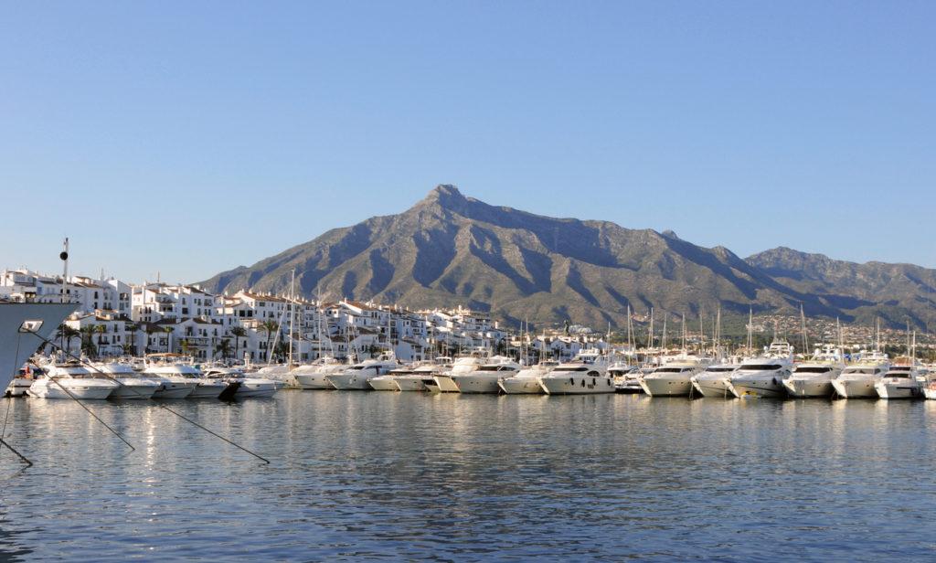 Puerto Banús and Montaña de la Concha